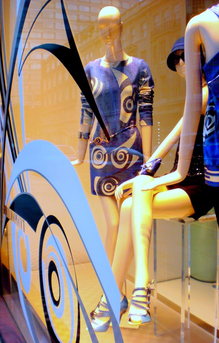 Emilio Pucci Window Display Gifitting