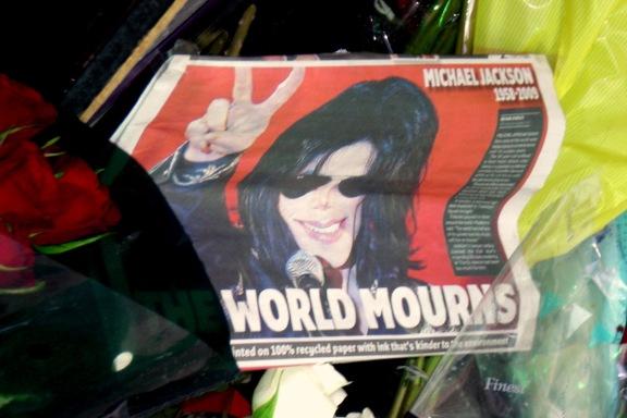 Michael Jackson Gifitting