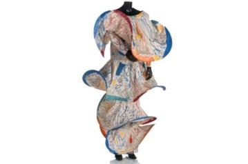 09 Vestido largo en tafetan pintado por Juan Gomila 1984